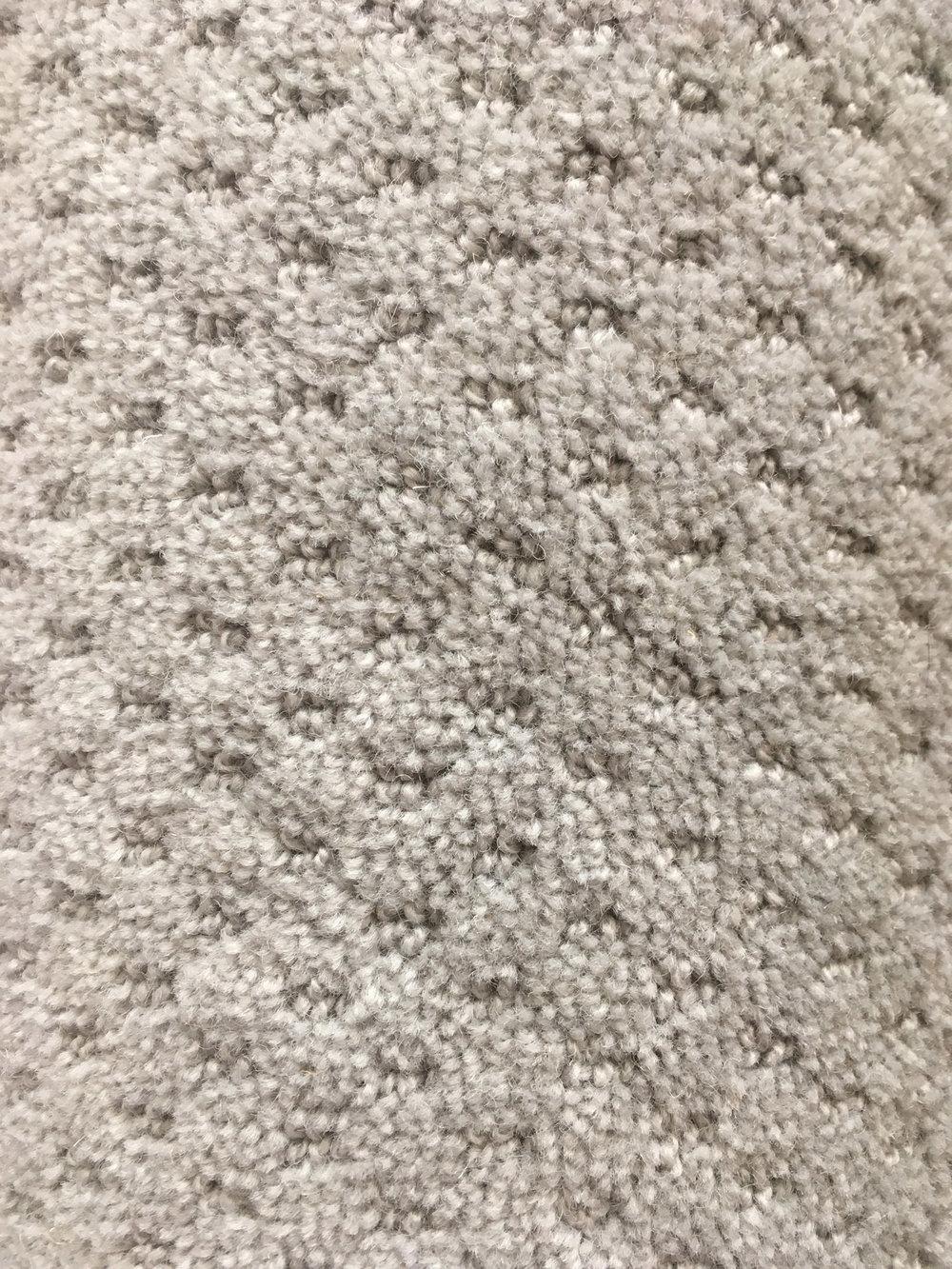 Dubai - Colour: Dove Grey100% PolypropoleneSize: 4.45 x 4.00MPrice: 202.56