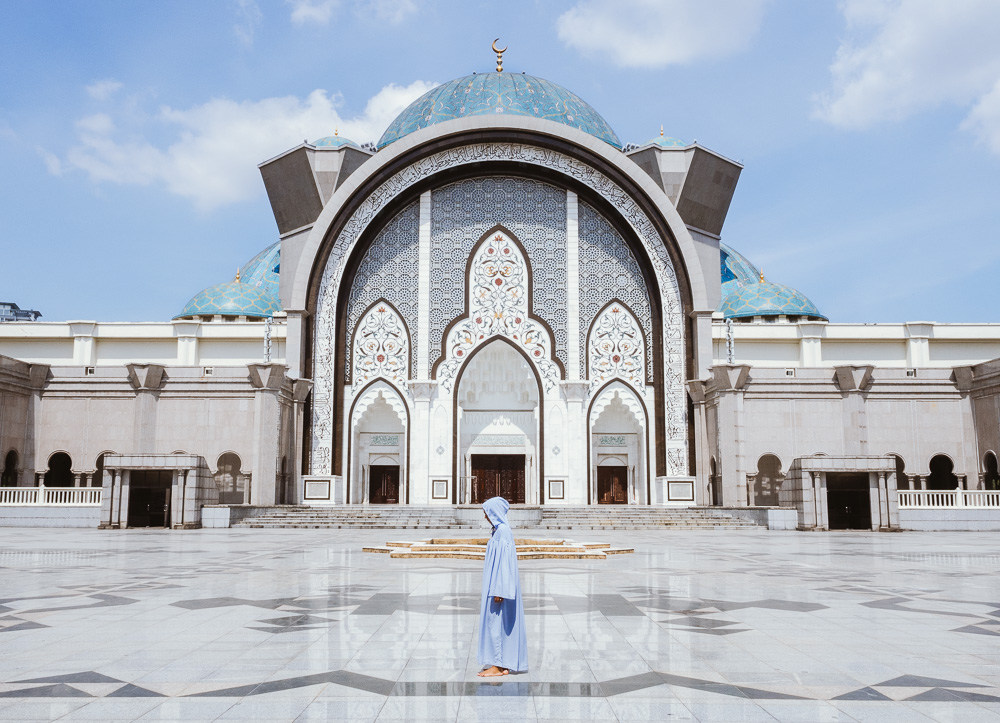 PA2100492017_10 KL Mosque_LR_Blog.jpg