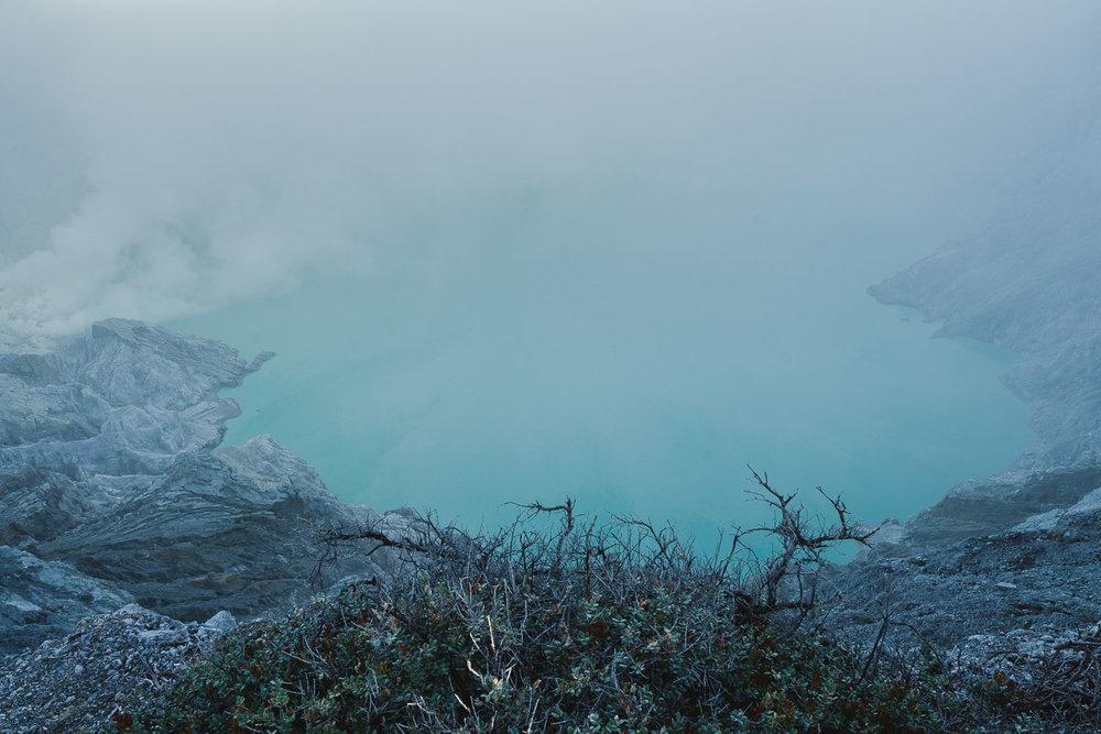 Kawah-Ijen-Crater.jpg