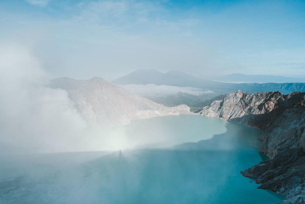 Kawah-Ijen-Crater-Indonesia-4.jpg