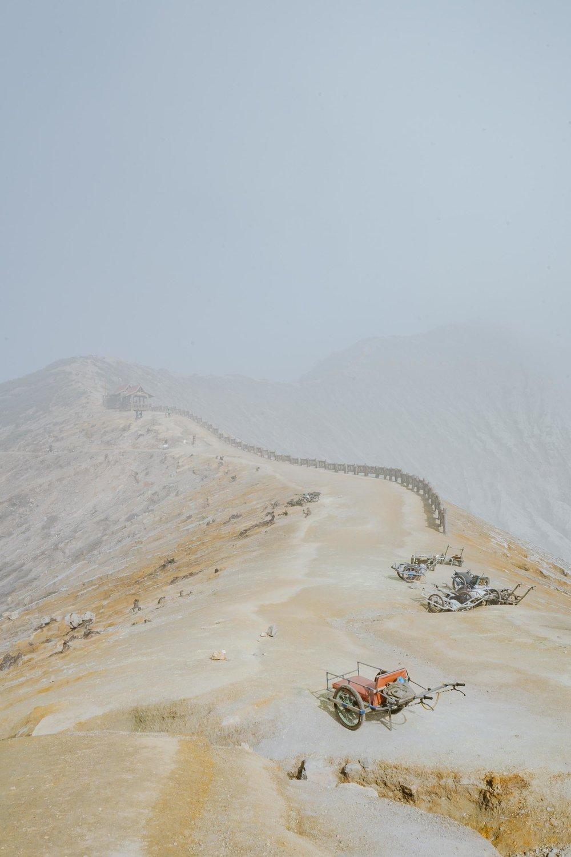 Kawah_Ijen_Crater_Indonesia.jpg