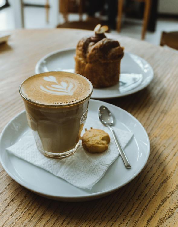 Coffee-shop-Jacarta.jpg