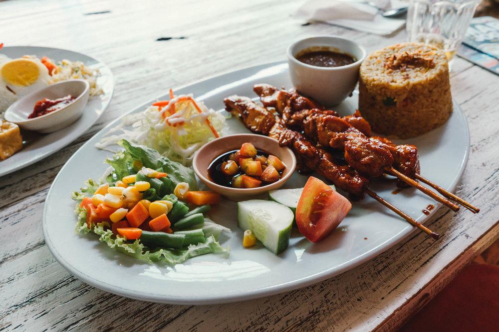 culinária-indonésia-satay.jpg