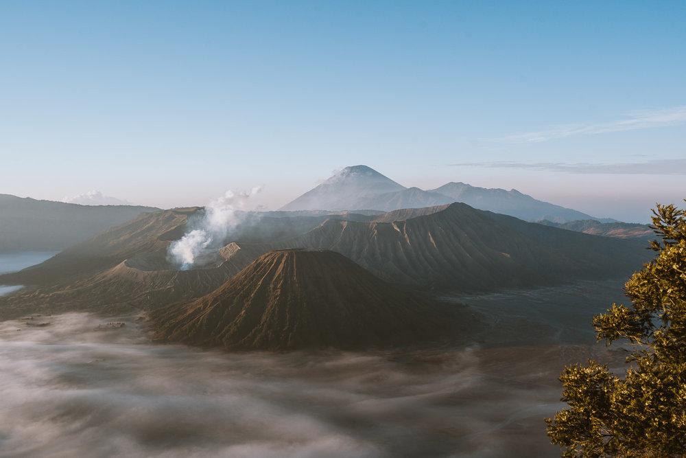Mount-bromo-indonesia.jpg