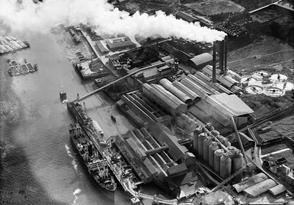 The Bevan Portland Cement Works, Northfleet, 1939 - Britain From Above - https://britainfromabove.org.uk/en/image/EPW060578 © Historic England
