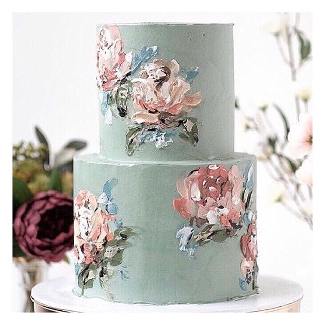 I always thought I'd NEVER turn down cake.....but when it's this beautiful how can you possibly eat it?!?!? #WeddingCake