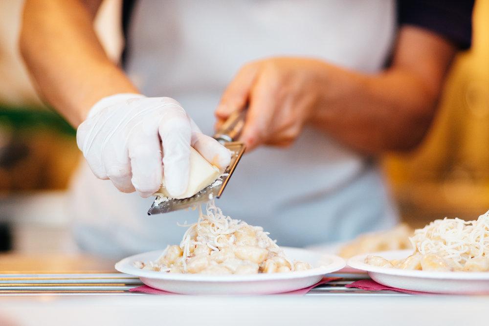 la gnocca loca - Gnocchi di patate e pasta fresca con vari condimenti.