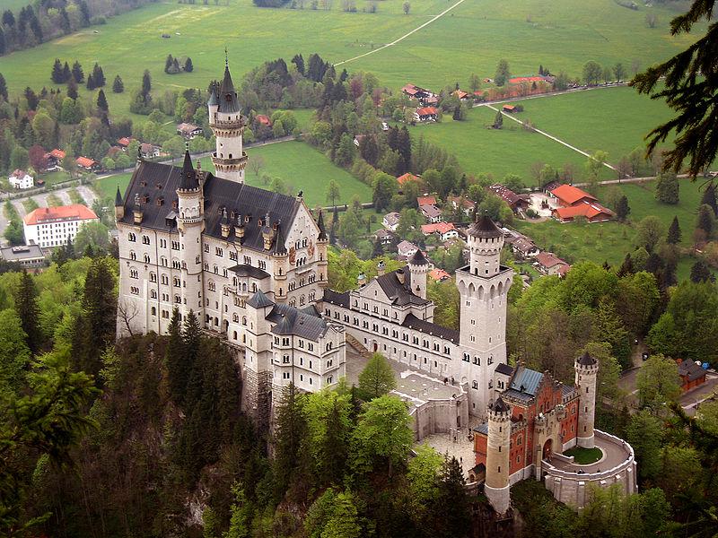 Travel to see the Neuschwanstein Castle