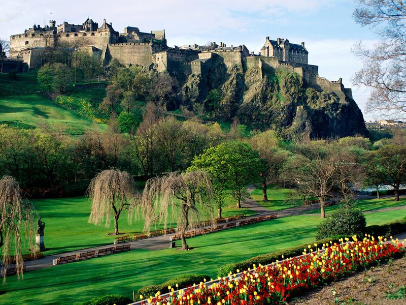 Edinburgh-Castle-Scotland-Small.jpg