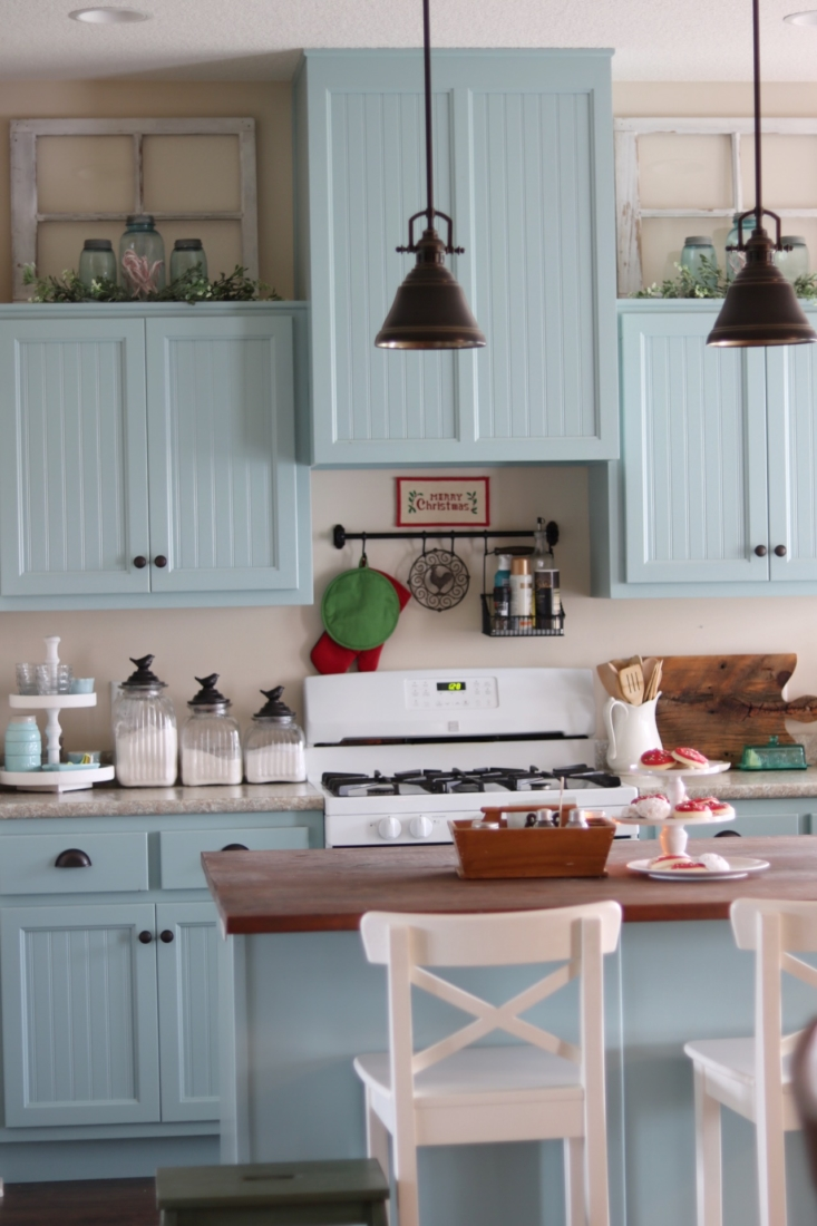 A Christmas Kitchen:: — A Cottage Girl