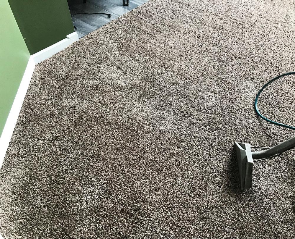 macomb-living-room-clean.jpg
