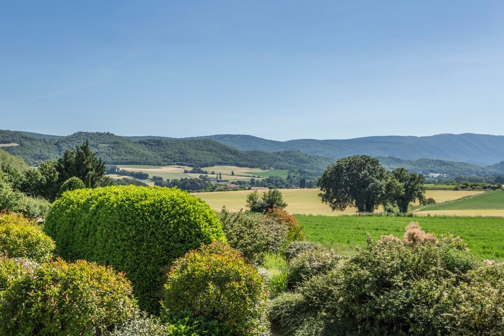 Provence-Luberon-Reillanne - This carefully restored 19th century mas faces full south and enjoys panoramic views over the surrounding glorious countryside and perched medieval villages. Free from immediate neighbors, the property remains easily accessible to local market towns and all amenities.