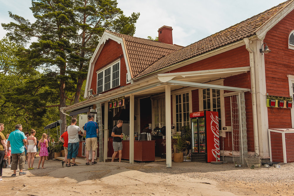 They've turned this old house into a place where you can buy waffles. It's called  Skärgårdsvåfflan .