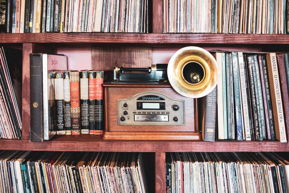 Hello, gramophone.