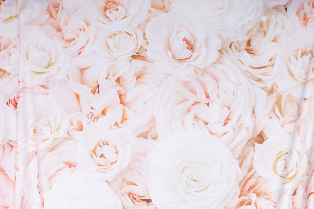 BLUSH ROSES (tapestry)