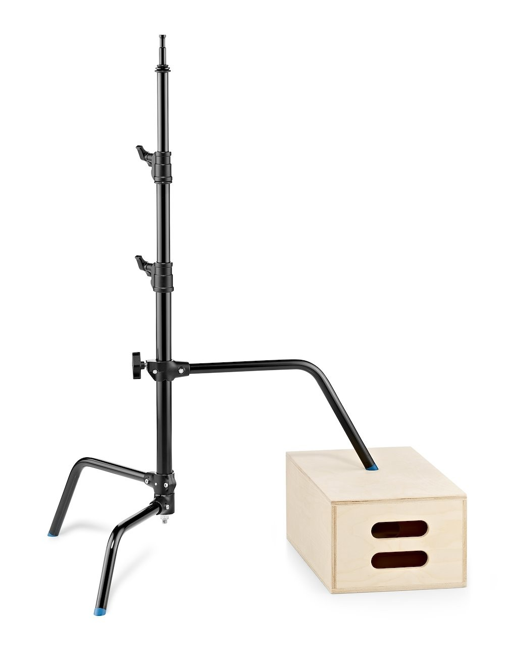 Light Stands & Grip Equipment. - Light stands, C stands, super clamps, grip arms sandbags and backdrop supports from all kinds of brands are of interest.