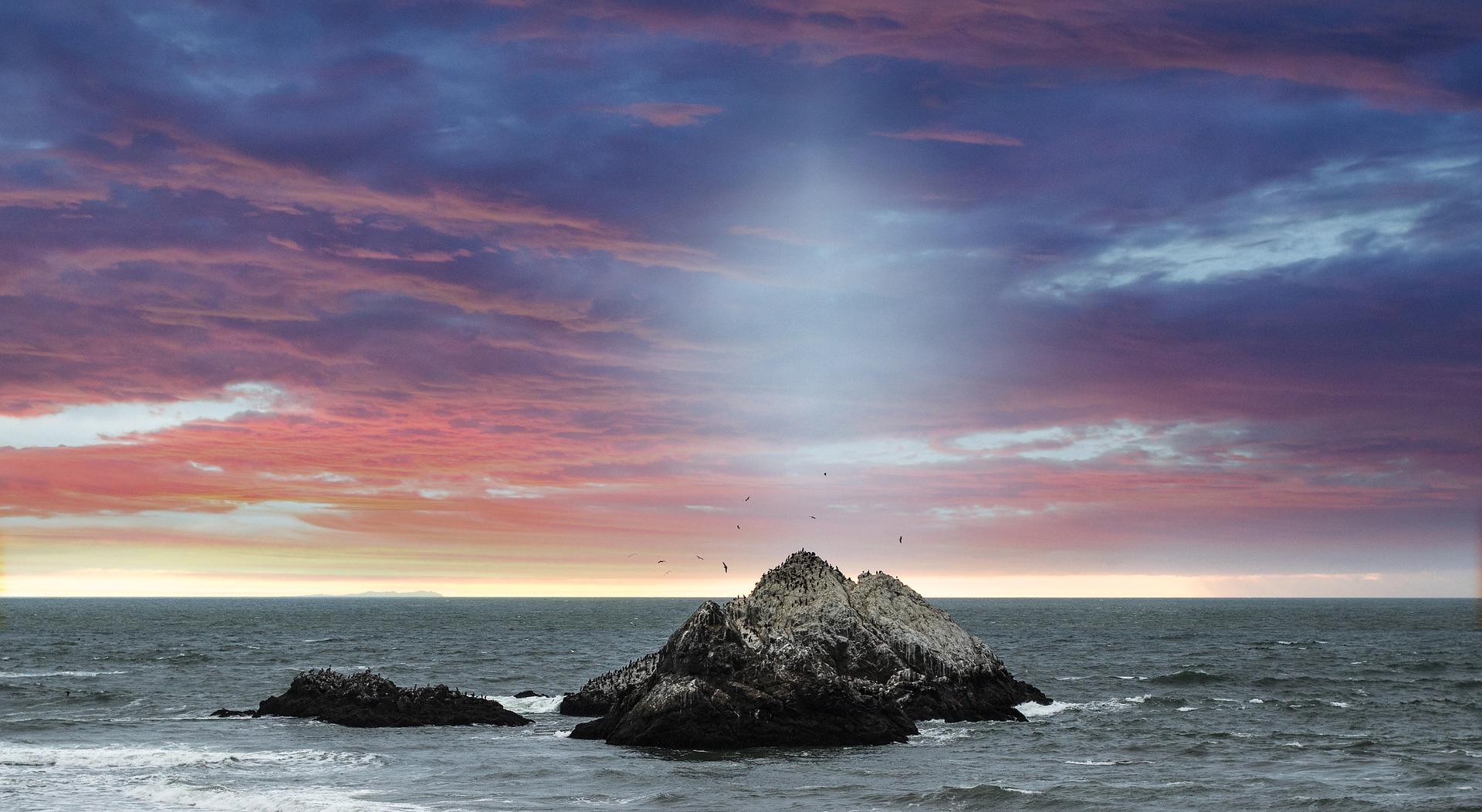 coastline-1698983_1920