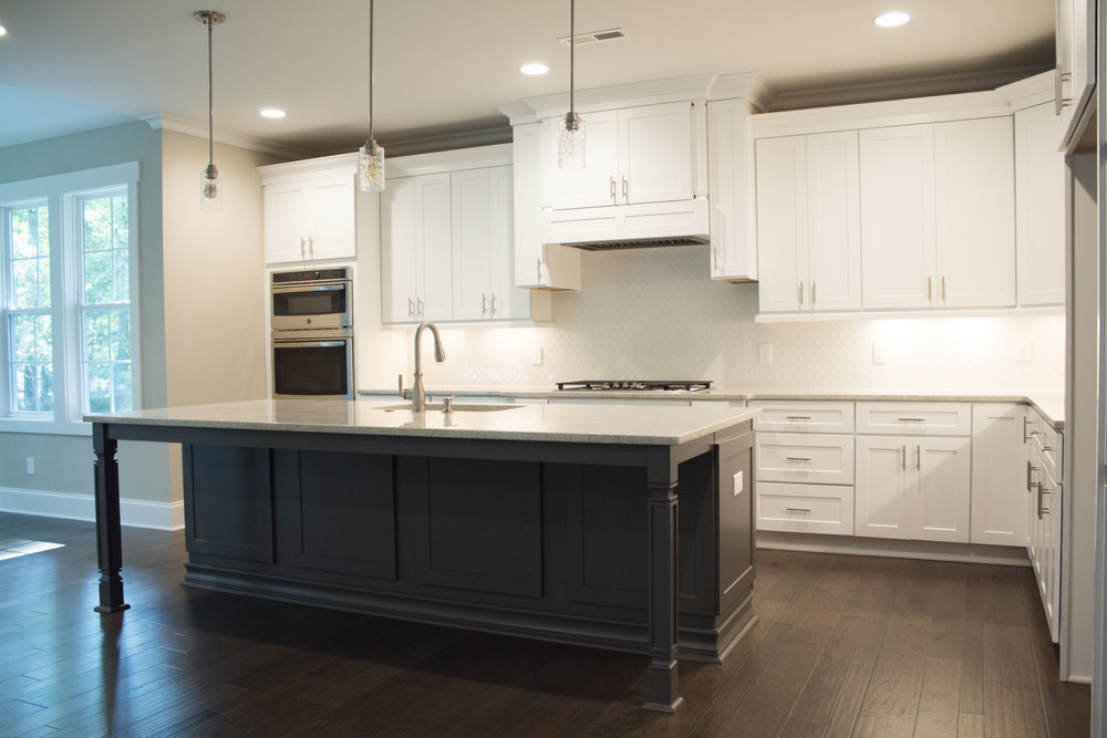 Custome_Kitchen_New_Home_1.jpg