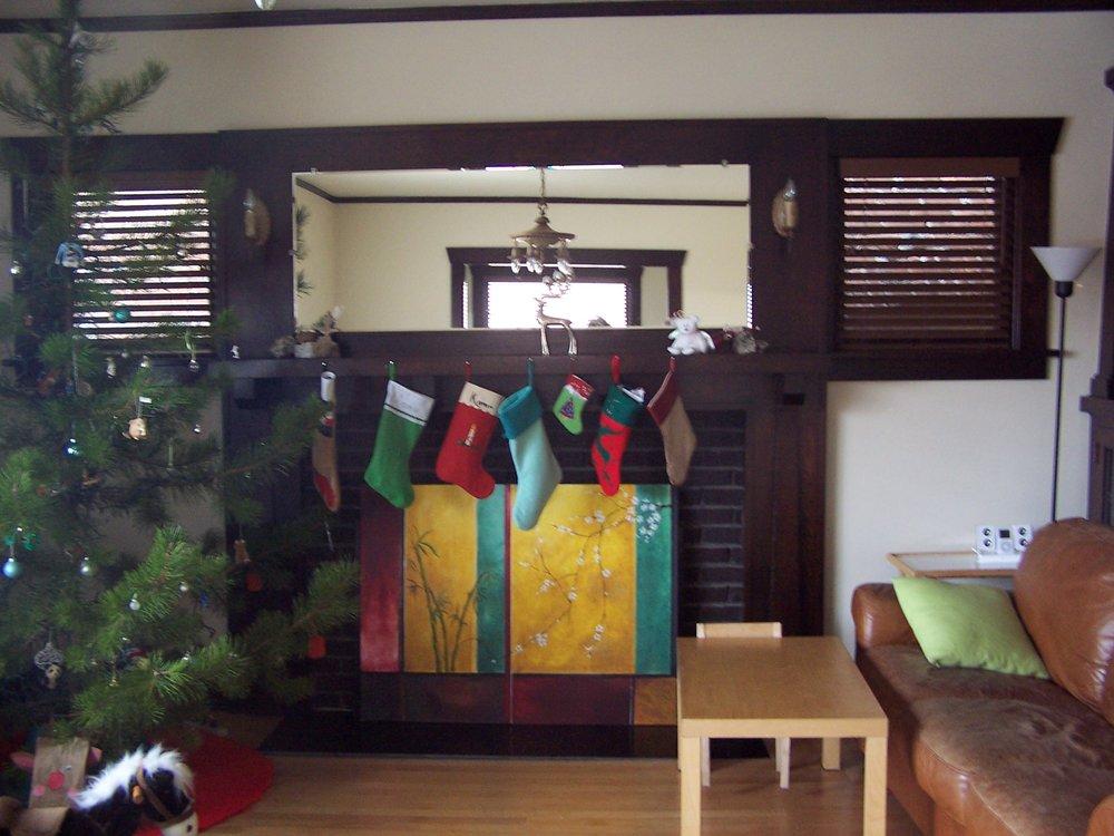 Craig 627 Silver living room fireplace (2).JPG