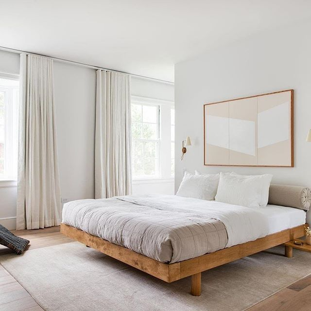 Just one night of good sleep can actually reduce your cravings for sugary and fatty foods, make you look healthier, and feel less depressed, anxious, or stressed. It can even give you more motivation and energy throughout your day. — Dr. Stanley via @domino ⠀⠀⠀⠀⠀⠀⠀⠀⠀ Learn how to get your beauty sleep with @parachutehome & @parsleyhealth at our next event: How to Have a Better Night's Sleep. Link in bio. 👆 ⠀⠀⠀⠀⠀⠀⠀⠀⠀