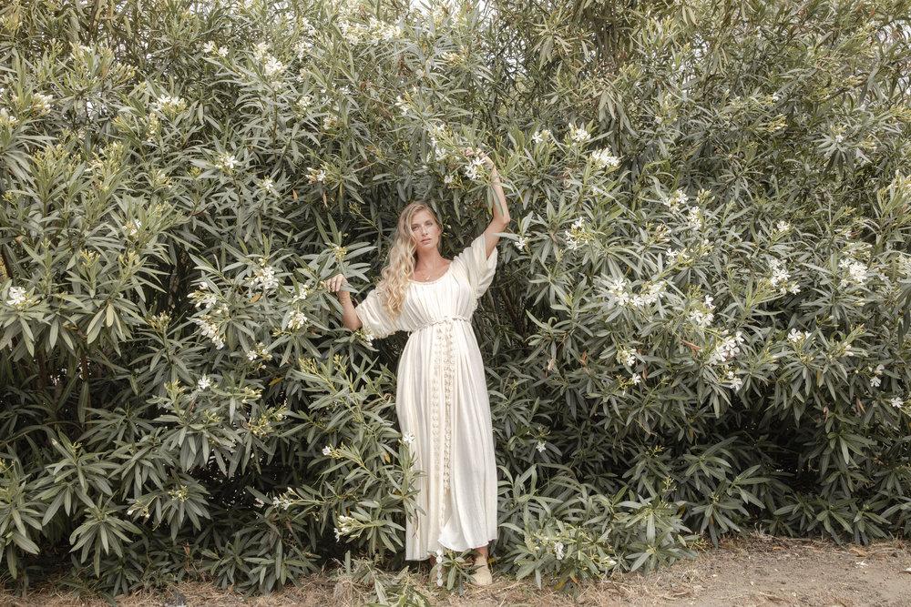Divine Fem Maiden