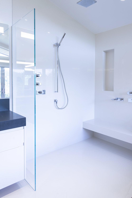 bathroom77w.jpg