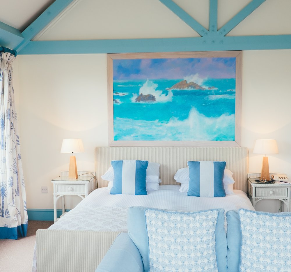 PACKAGE 2 - QUEEN SIZE W/ PRIVATE BATH  Features: Private Bath, Ocean Views, Air Conditioning, Modern Suite, Queen Size Bed