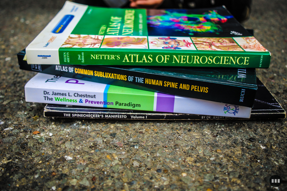 Chiropractor-education-books.jpg