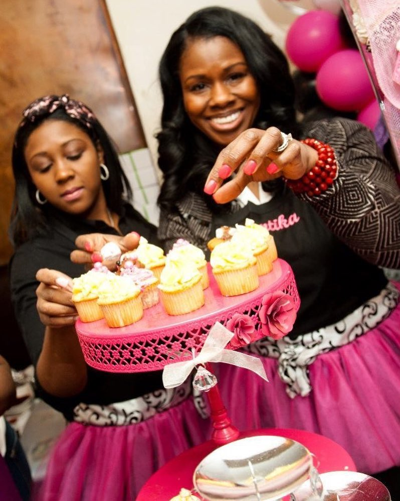 Mother and daughter won a competition for their banana pudding cupcake!
