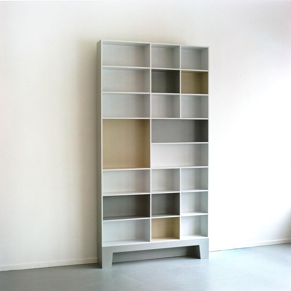 boekenkast grijsjpg