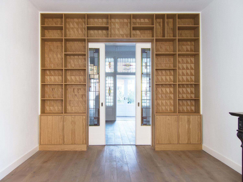 Klassieke Eikenhouten Boekenkast.En Suite Kast Eikenhout Renier
