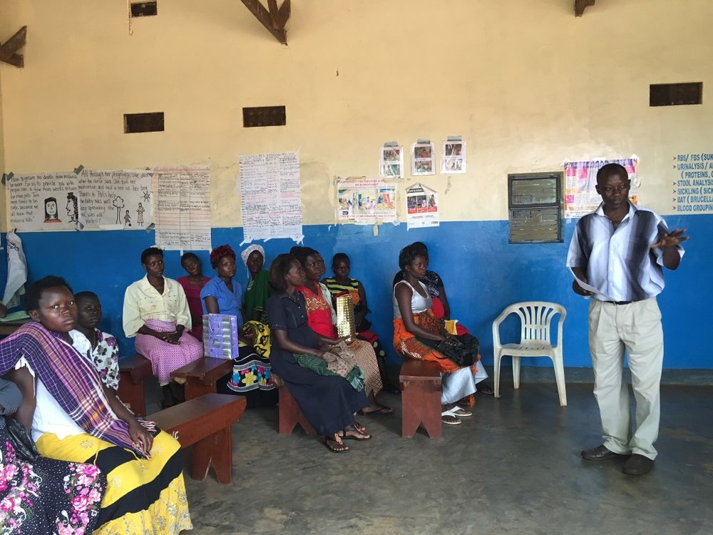 The next morning, Robert, VHT from Nawanyago discusses the RHD study with pregnant women. It is estimated that 30% of maternal deaths could be related to rheumatic heart disease.