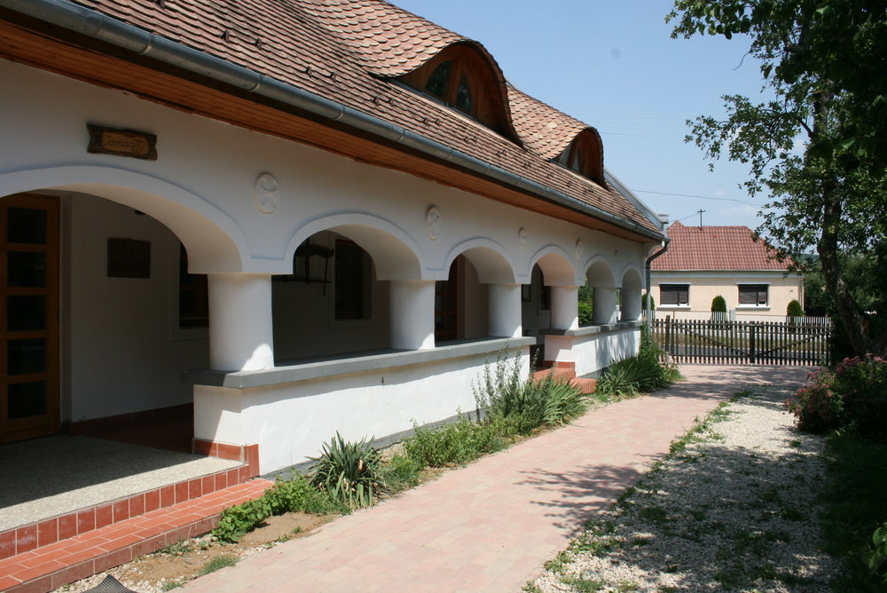 breuer lászló oktatóközpont -