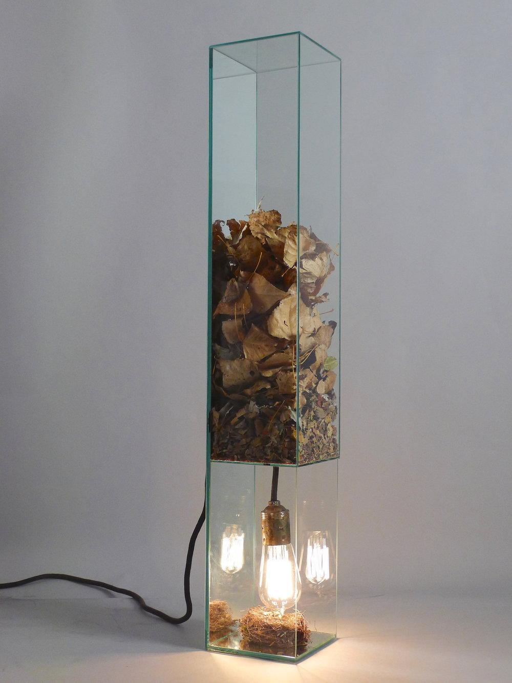 309.2.ESPAÇO-TEMPO.Vidro float, espelho e matéria prima, 80 x 13.5 x 13.5 cm, 2013.JPG