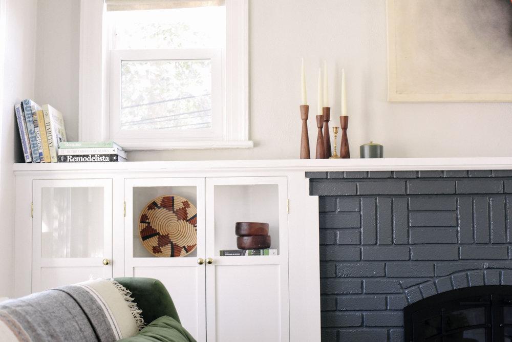 fireplaceleftside.jpg