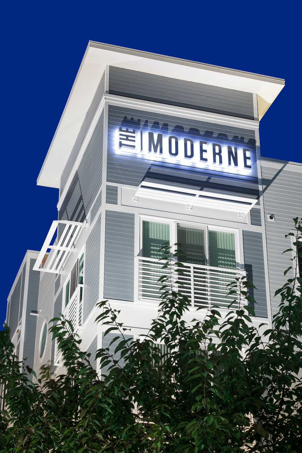 CV_CE_9_RMS-The Moderne-4547-Z.jpg