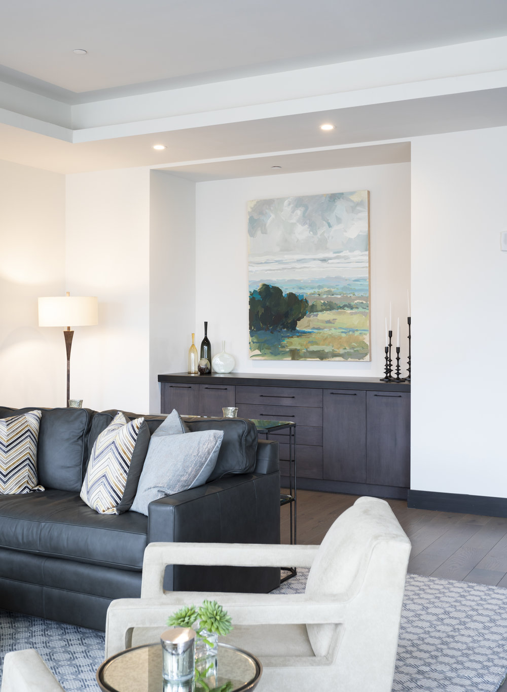 An Annie Koelle Landscape give this room warmth. Commissioned for this space by Chisana Hice-Smith with In Site Designs for a private collector.
