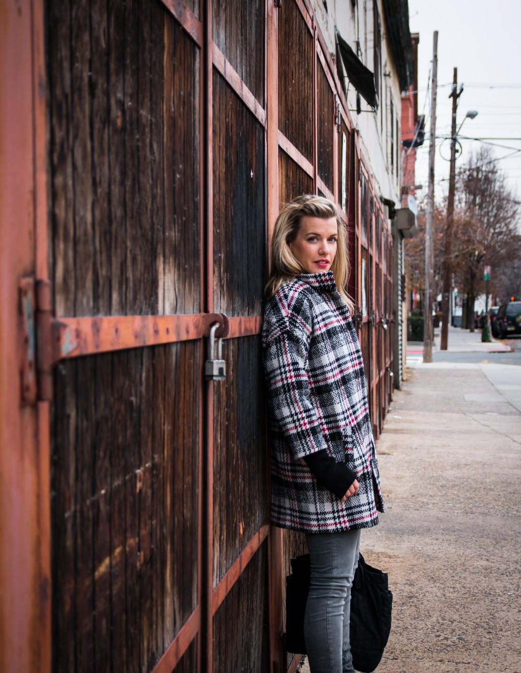 bold door/statement plaid
