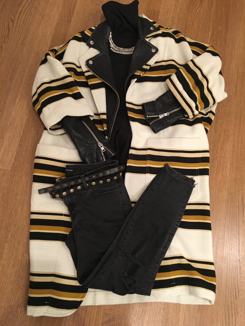 Coat/Jacket/Turtleneck/Jeans