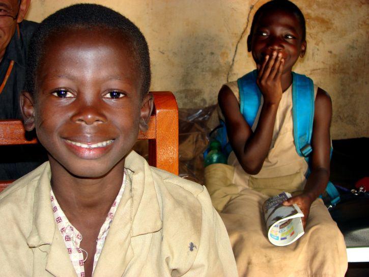 happy-children-from-benin-africa-725x544.jpg