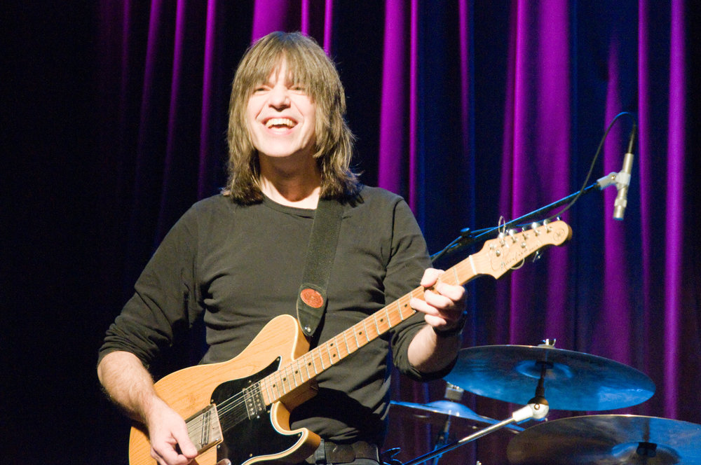 Mike_Stern_2,_Jazz_Alley,_2007-12-08.jpg