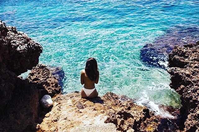 Lindo mediterráneo....🐚! . . . . . . . . . . . . #beach #sun #nature #water #envywear #ocean #lake #instagood #photooftheday #beautiful #sky #clouds #cloudporn #fun #pretty #sand #reflection #amazing #beauty #beautiful #shore #waterfoam #seashore #waves #waves