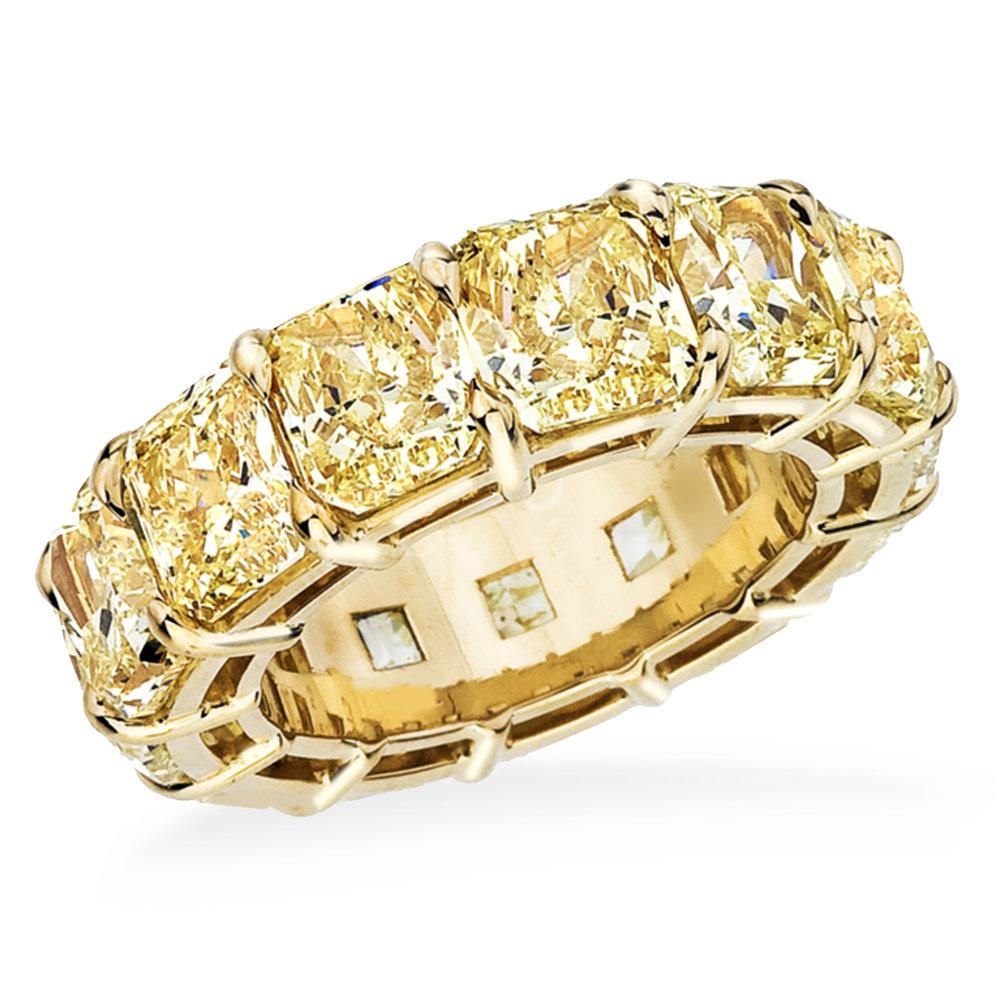 Yellow Diamond Eternity Band: 14 fancy yellow diamonds, 14 carats, 18K Yellow gold.