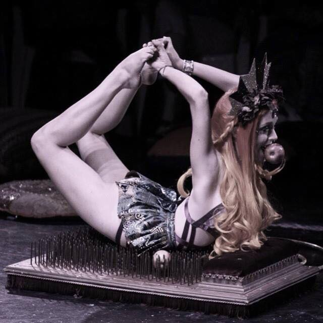 Bed of nails -