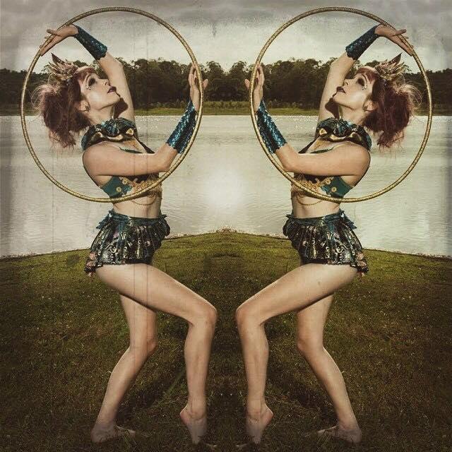 circus hooping -