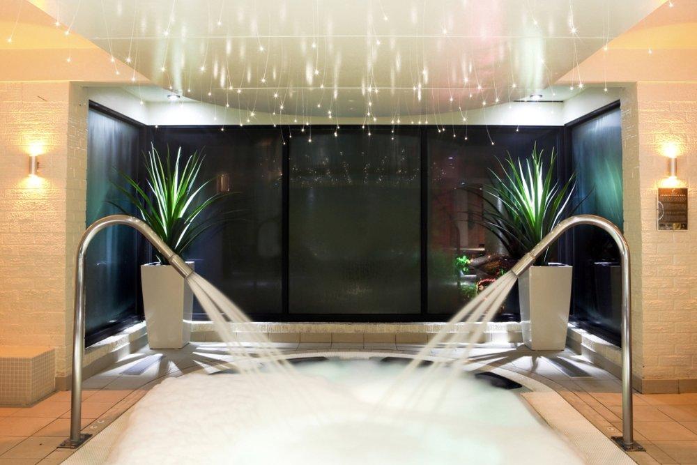 moddershall-oaks-indoor-spa.jpg