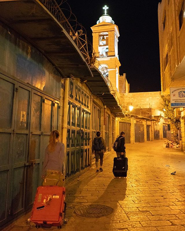 Looking for a way to dodge the crowds? Lock your team in the Church of the Nativity from 5pm until 3am. Photo taken while on a long walk home in Bethlehem. 📸: @chris2water #virtualwonders