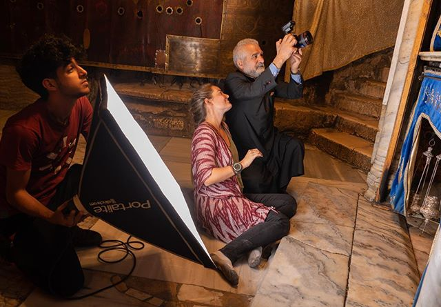 Strobe lessons inside the Church of the Nativity - Bethlehem, West Bank. 📸: @chris2water #virtualwonders