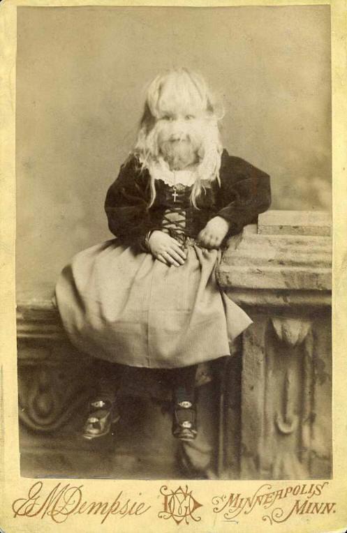 Алиса Элизабет Доэрти родилась 14 марта 1887 Миннесота, США в обычной семье, имеющей здоровых, красивых детей.