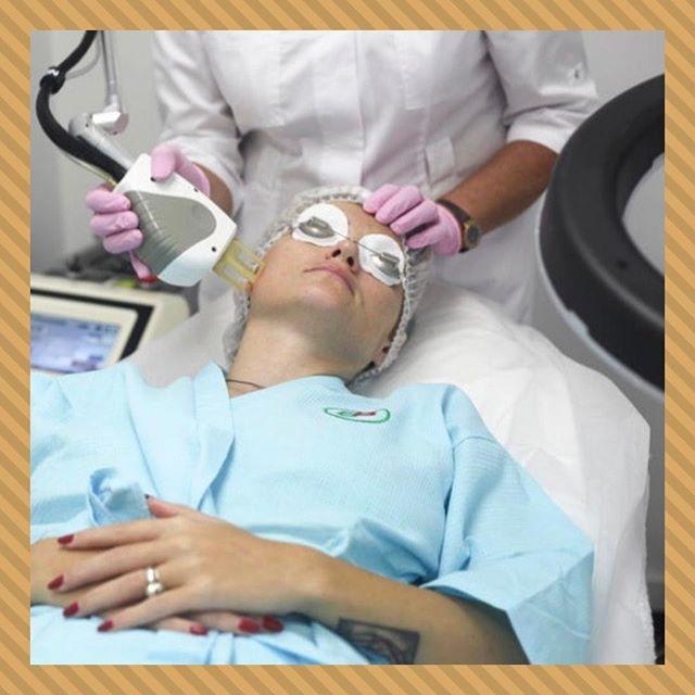 🔸Фракционное лазерное омоложение🔸 ⠀ Среди разнообразных омолаживающих процедур уже давно лидирует фракционный фототермолиз. На данный момент это лучшая методика, сочетающая в себе максимальную безопасность и эффективность. ⠀ ❗Что это дает: ⠀ 🔸Улучшение состояния кожи (разглаживаются морщины, подтягивается овал лица , выравнивается его цвет); 🔸Избавление от различных косметических дефектов 🔸Щадящее воздействие (при драгово термолизе кожа повреждается меньше, чем при обычной лазерной шлифовке) 🔸Безопасность процедуры и более короткий срок реабилитации; 🔸Видимый эффект уже с 4 процедуры; 🔸Достигнутый результат на 1,5 - 2 года. ⠀ Фракционная шлифовка показана многим. Среди показаний - возрастные изменения, гиперпигментация , растяжки, мелазма, шрамы и рубцы. От всего этого можно легко избавиться, всего за 6 - 8 процедур, и без необходимости в пластической хирургии. ⠀ 📞Запись по тел.: +7 495 108 64 92 📍Адрес: Москва, ул. Мытная, 52 👣Мы находимся в пешей доступностиот станций метро Октябрьская, Добрынинская, Шаболовская ⏰График работы: 10:00-21:00 ⠀ #брава_клиника #эстетическаямедицинамосква #lpgмосква #контурнаяпластикамосква #лазернаяэпиляциямосква #эпиляциямосква #перманентныймакияжмосква #имиджклиника #чисткалицамосква